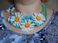 Beaded handmade jewelry: Summer Flower Necklace