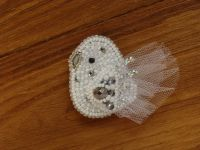Beaded handmade jewelry: White dove embroidered brooch