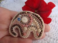 Beaded handmade jewelry: Pink Elephant