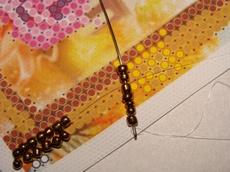 Начинаем вышивать герданным швом (таким швом плетут герданы и гайтаны из бисера)